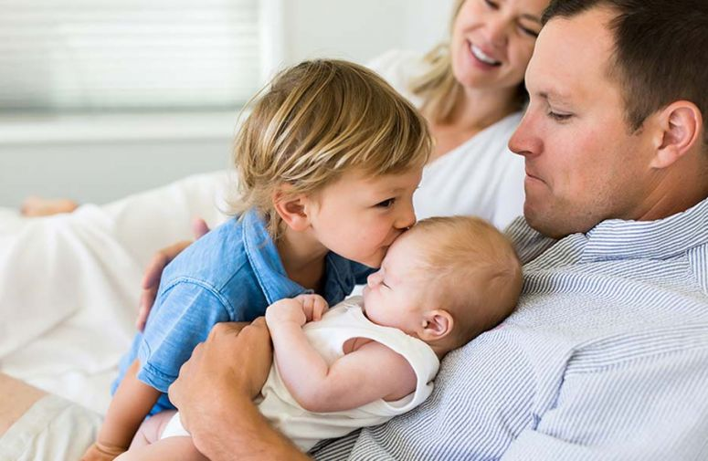 Čak 100 studija objavljeno je u period od 50 godina koje pokazuju da je očeva ljubav jednako važna za razvoj deteta kao ljubav majke, a ponekad i više