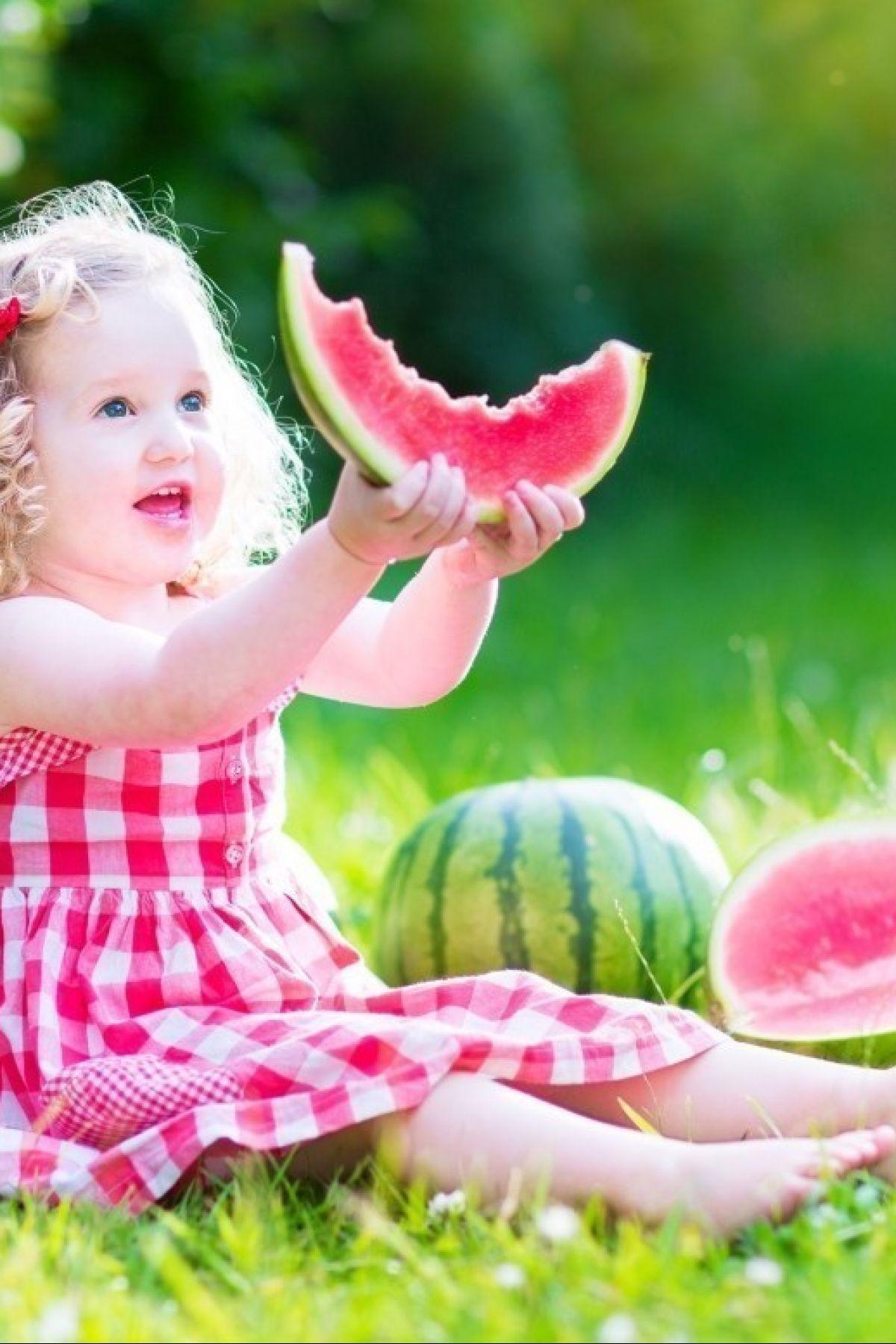 Lubenica je odlična užina koja pozitivno utiče na zdravlje dece