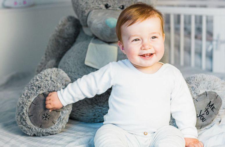 7 znakova kojima beba poručuje da vas voli