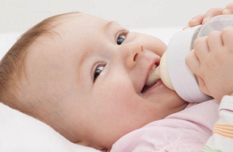 """Sterilisanje bebinog """"posuđa"""""""