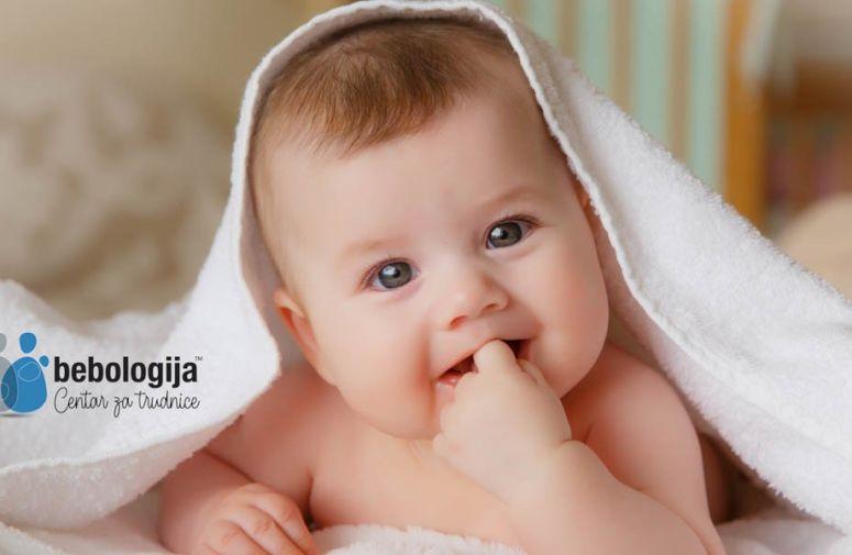 Kada i zašto se bebama menja boja očiju?