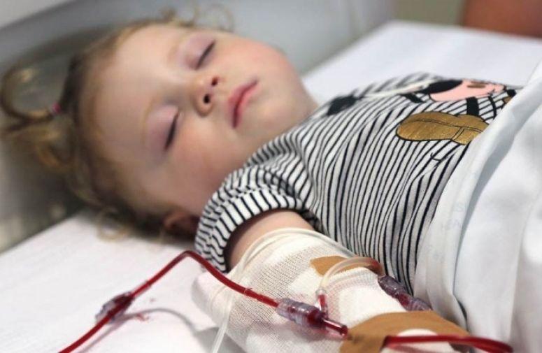 Lucy Hinchion, najmlađa pacijentkinja lečena matičnim ćelijama