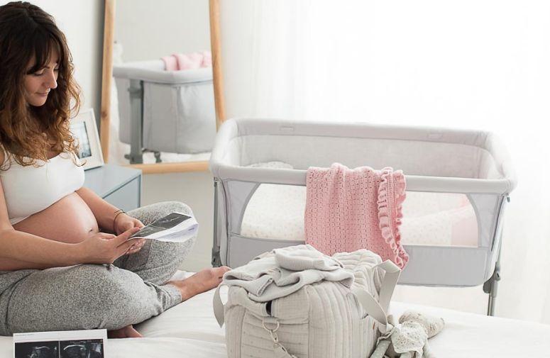Mame koje su prošle porođaj daju najbolje savete! Zato pročitajte šta je to što se našlo u njihovim torbama za porodilište, i zbog čega su sebi bile zahvalne u prvim danima nakon porođaja.