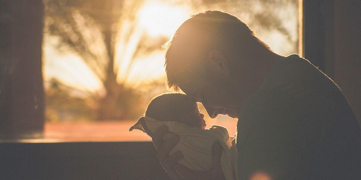 Kako je tata uspavao bebu za 30 sekundi (VIDEO)
