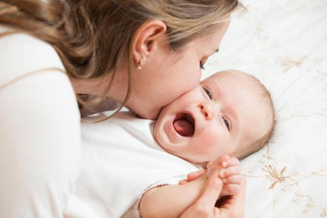 prvi momemti sa bebom