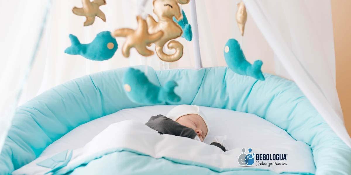 Muzička vrteška u bebinom krevecu - da ili ne?