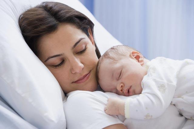 porodjaj-mama-beba