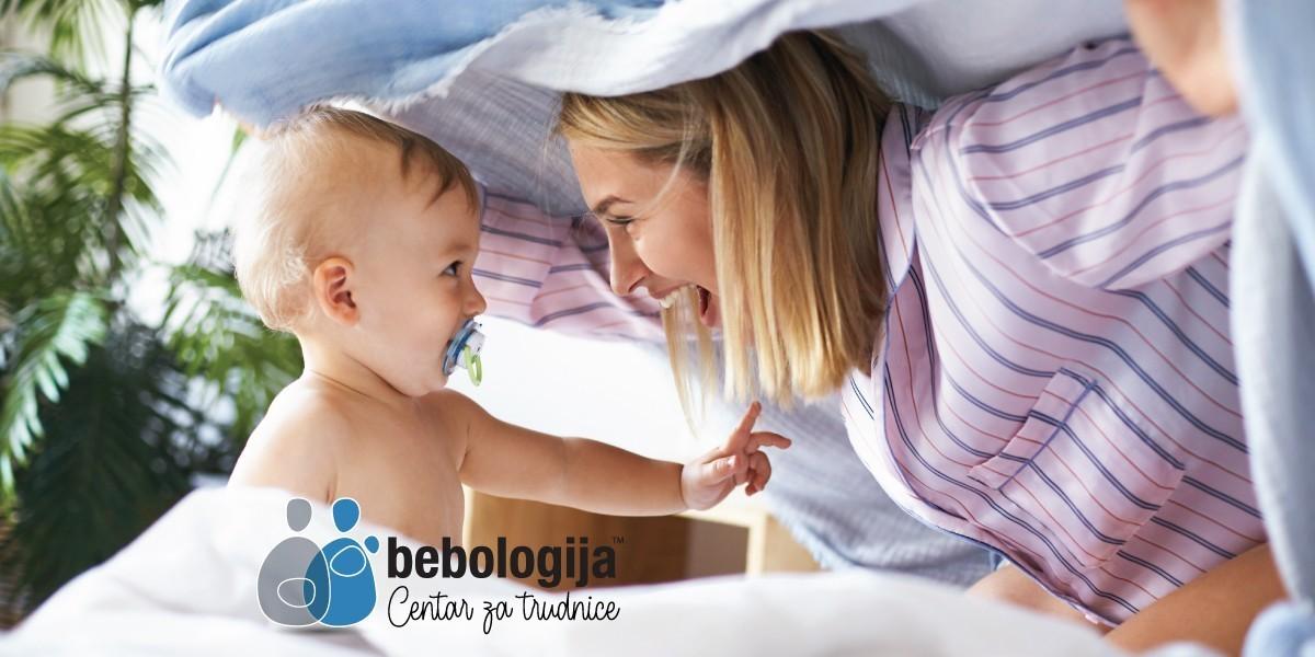 Poruke ljubavi koje vam šalje beba