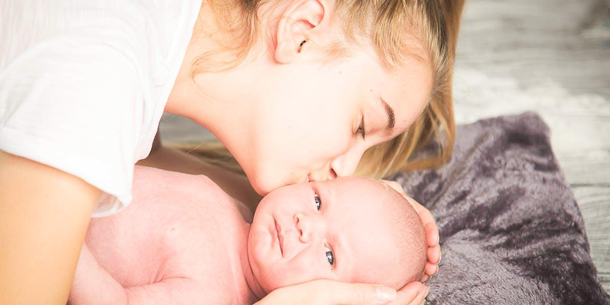 Odličan trik: Najbolji način da bebi date sirup