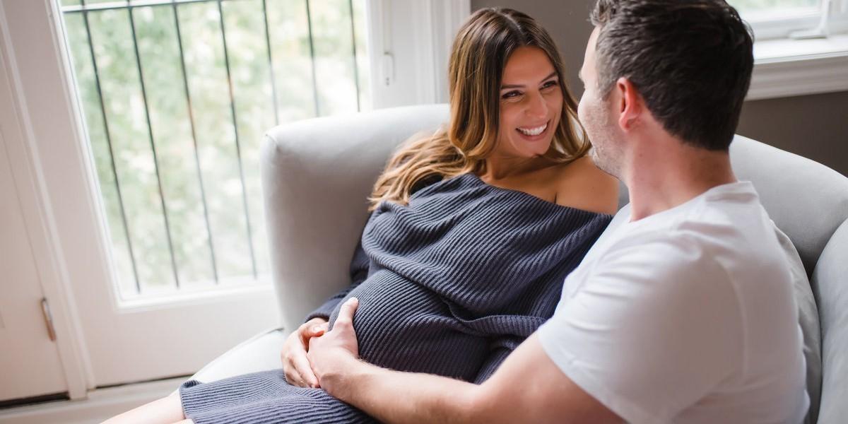Kada počinje da se vidi trudnički stomak?